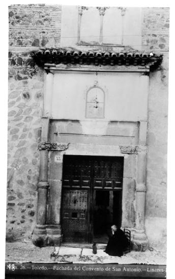 327 - Portada del convento de San Antonio