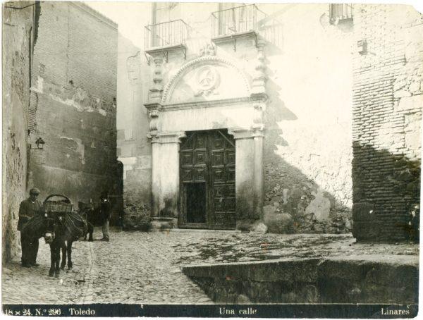 338 - Portada del Convento de la Trinidad en la calle del Salvador