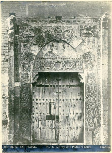 339 - Portada del palacio de Inés de Ayala en la plaza de Santa Isabel