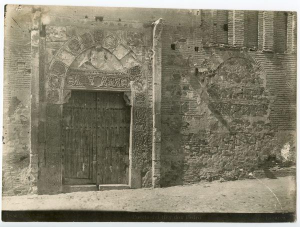 340 - Portada del palacio de Inés de Ayala en la plaza de Santa Isabel