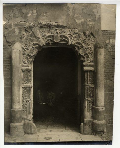 341 - Portada del palacio de Justicia en la plaza del Ayuntamiento