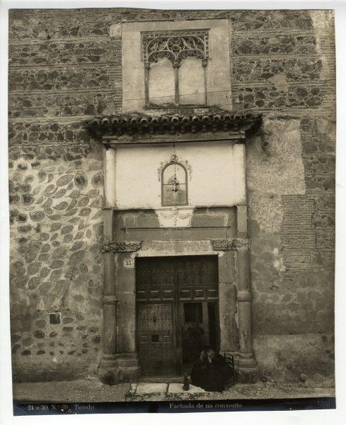344 - Portada del Convento de San Antonio de Padua en la calle de Santo Tomé