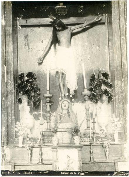 358 - Imagen del Cristo de la Vega en la Basílica de su nombre- Foto Linares