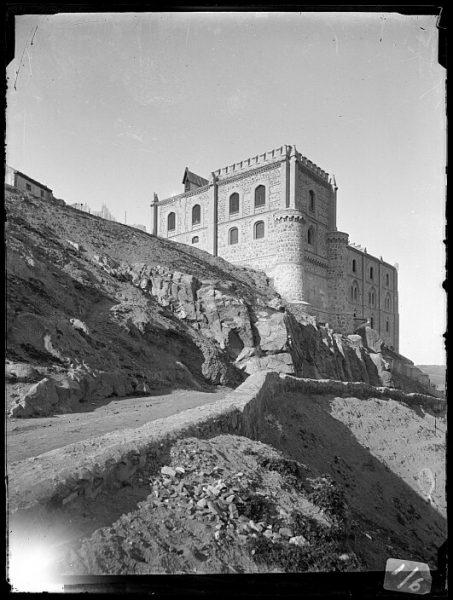 CA-0006-VI_Exterior y cubillos del Hospital de la Orden de Santiago, cerca del Alcázar