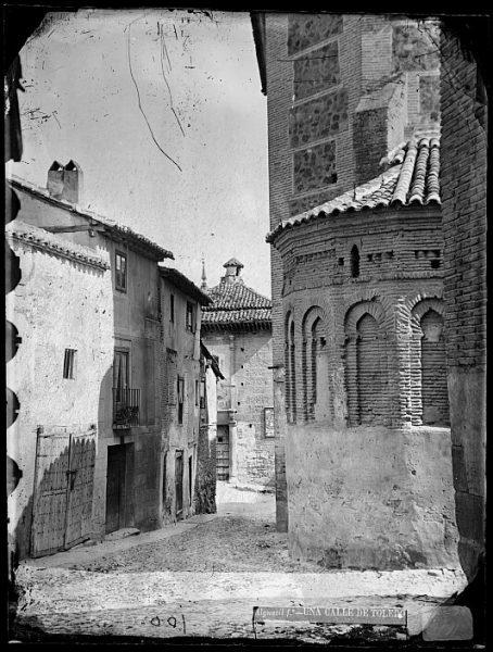 CA-0027-VI_Calle de Santa Isabel y ábside de la Iglesia de San Antolín