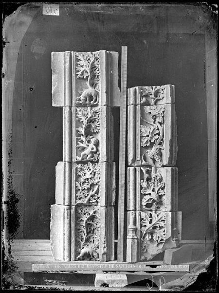CA-0342-VI_Convento de San Juan de los Reyes-Detalles ornamentales del claustro