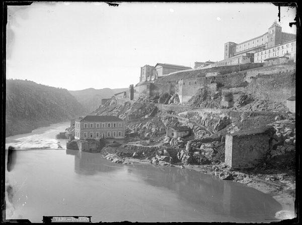 CA-0416-VI_Vista del Alcázar de Toledo desde el río Tajo