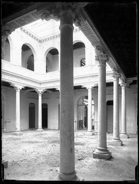 CA-0449-VI_Hotel Castilla en la plaza de San Agustín-Patio interior