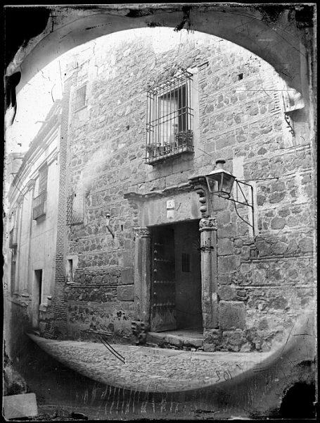 CA-0498-VI_Portada de una casa en la calle de la Plata