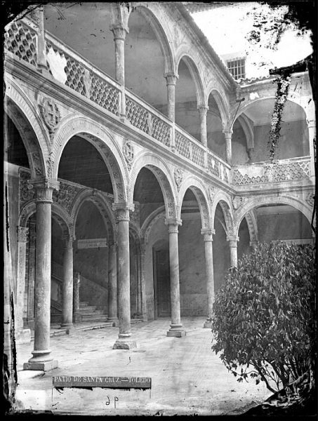 CA-0511-VI_Hospital de Santa Cruz-Patio