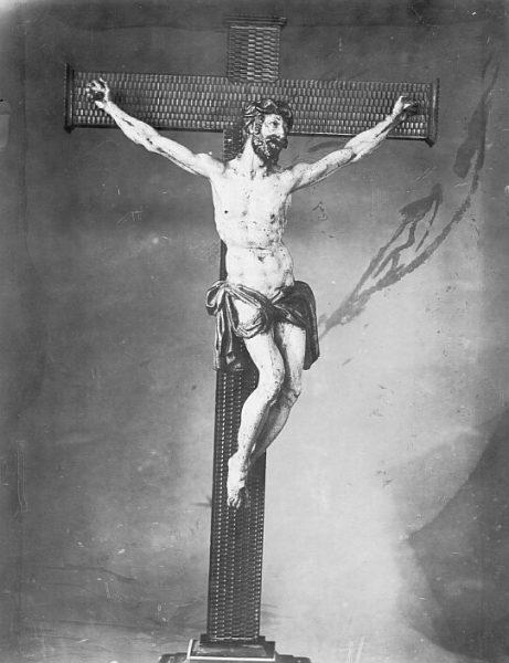 CA-0744-PA_Escultura-Cristo crucificado