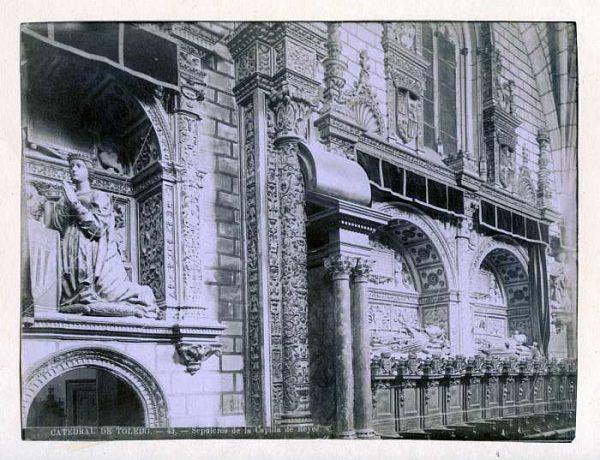 Catedral-Capilla de Reyes Nuevos - Sepulcro de Don Juan I-Colección Luis Alba_LA-133055-PA
