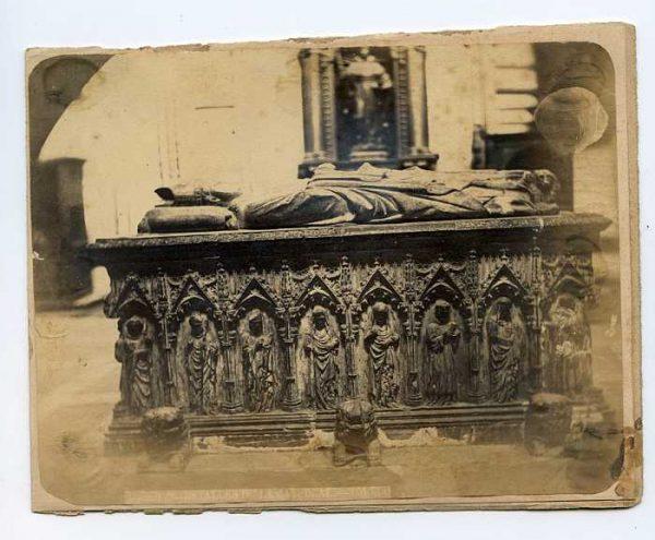 Catedral-Capilla de San Ildefonso - Sepulcro del arzobispo Gil Álvarez de Albornoz-Colección Luis Alba_LA-134098-PA