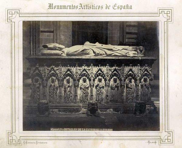 Catedral-Capilla de San Ildefonso - Sepulcro del arzobispo Gil Álvarez de Albornoz-Colección Luis Alba_LA-232018-PA