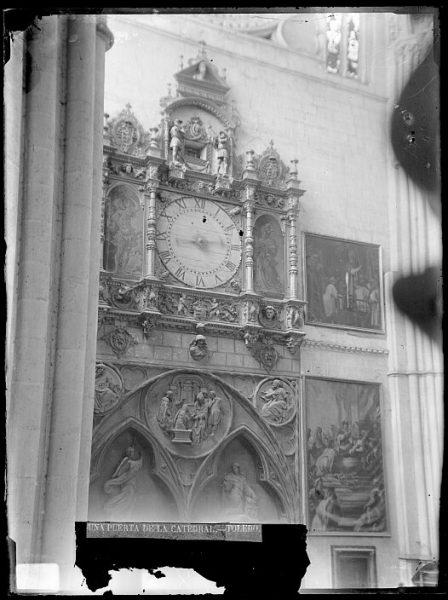 Catedral-Detalle de la Puerta de la Feria o del Reloj desde el interior_CA-0186-VI