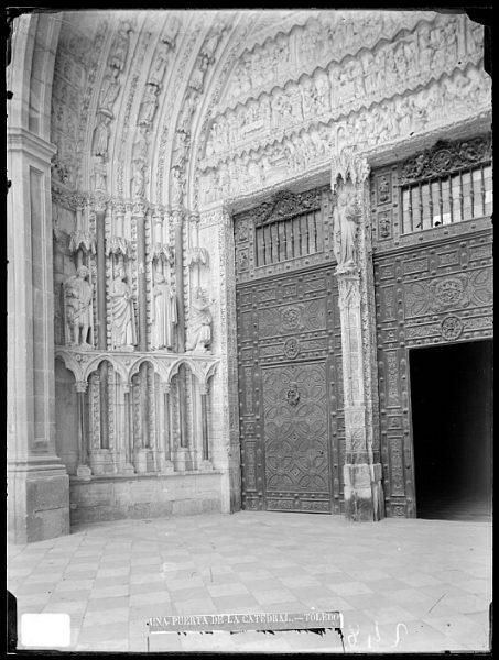 Catedral-Detalle de la Puerta de la Feria o del Reloj_CA-0185-VI