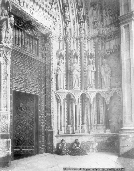 Catedral-Detalle de la Puerta de la Feria o del Reloj_CA-0188-PA