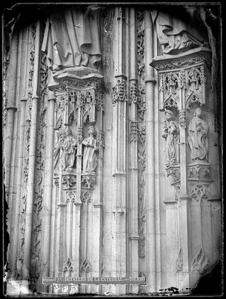 Catedral-Detalle de la Puerta de los Leones desde el exterior_CA-0192-VI