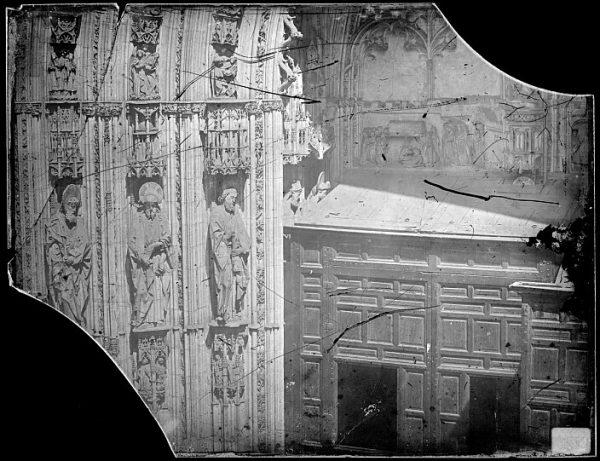 Catedral-Detalle de la Puerta de los Leones desde el exterior_CA-0193-VI