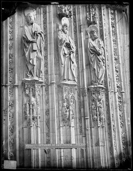 Catedral-Detalle de la Puerta de los Leones desde el exterior_CA-0194-VI