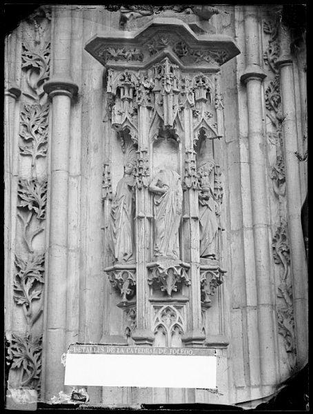 Catedral-Detalle de la Puerta de los Leones desde el exterior_CA-0198-VI