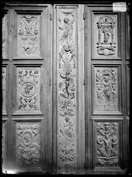 Catedral-Detalle de las puertas de los armarios en la Antesala Capitular_CA-0259-VI