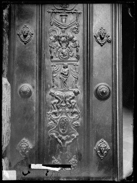 Catedral-Detalle de una puerta_CA-0262-VI