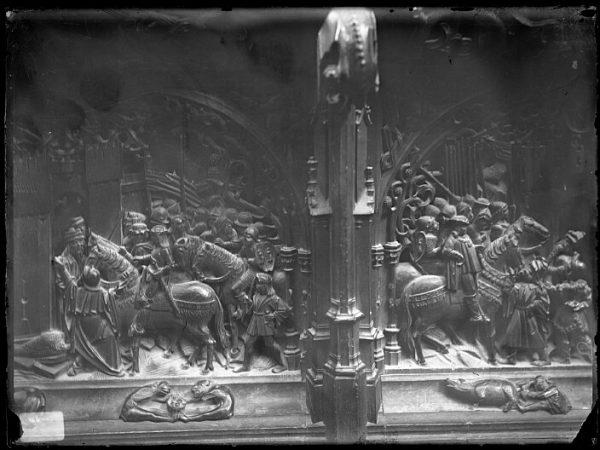 Catedral-Detalles de las escenas de la Entrega de Cambriles y de la Rendición de Zurgena en la sillería baja del coro_CA-0142-VI