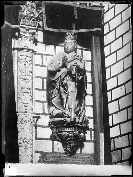Catedral-Estatua orante de Don Juan II en la Capilla de Reyes Nuevos_CA-0089-VI