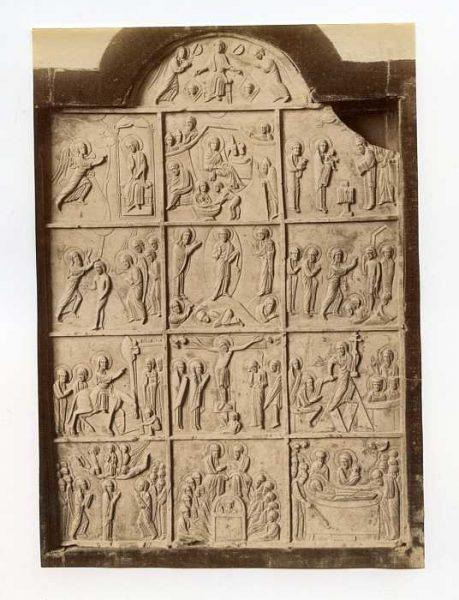 Catedral-Estela con escenas de la vida de Cristo-Colección Luis Alba_LA-1034172-PA