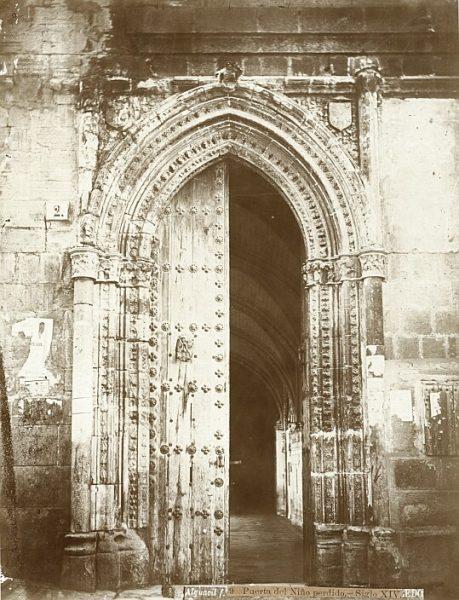 Catedral-Exterior de la Puerta del Niño Perdido de acceso al claustro_CA-0209-PA
