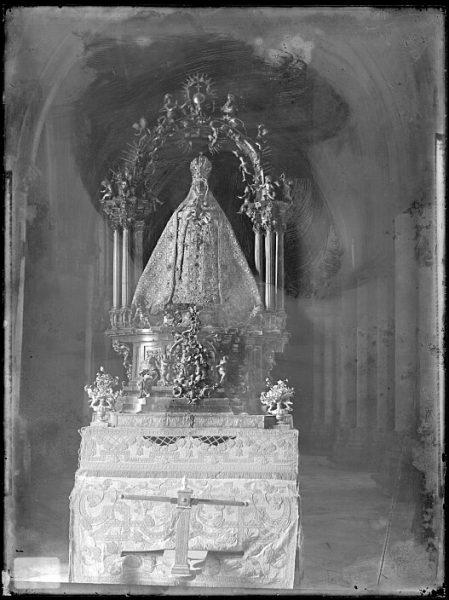 Catedral-Imagen de la Virgen del Sagrario en una carroza_CA-0301-VI