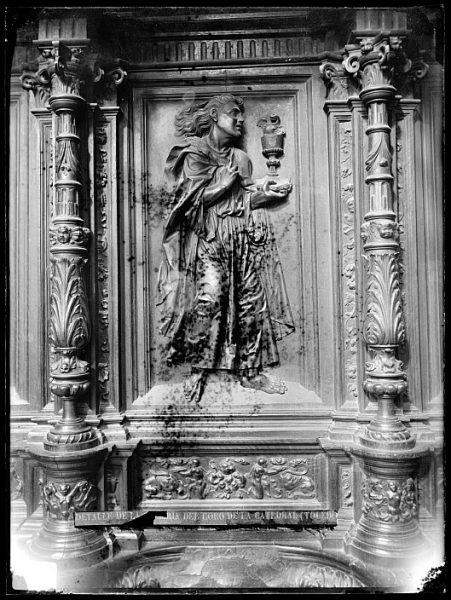 Catedral-Imagen de San Juan Evangelista en la sillería alta del coro_CA-0156-VI