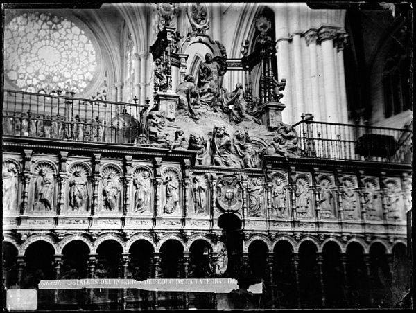 Catedral-Interior del coro con la Transfiguración del Señor en el Monte Tabor de Alonso Berruguete y el Apostolado de Vigarny_CA-0119-VI