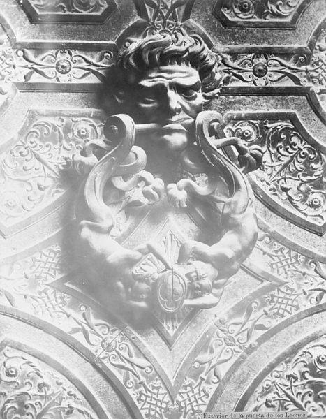 Catedral-Llamador de la Puerta de los Leones_CA-0304-PA