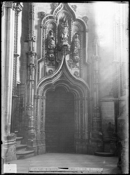 Catedral-Puerta de entrada a la Antesala Capitular_CA-0280-VI