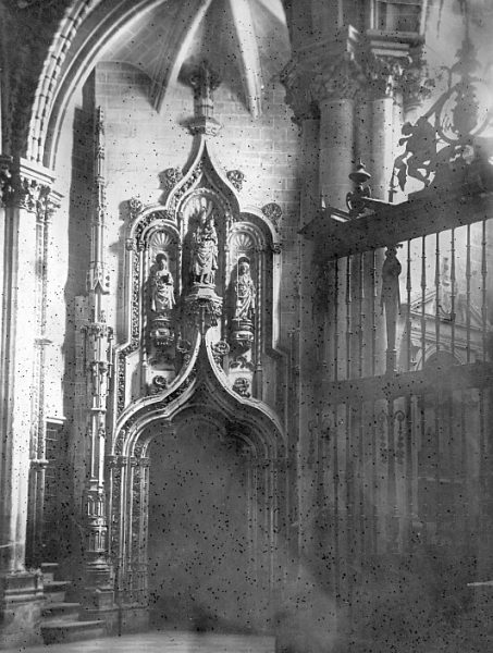 Catedral-Puerta de entrada a la Antesala Capitular_CA-0281-PA