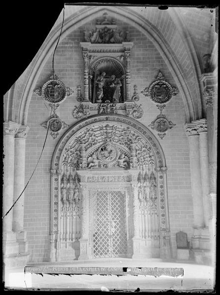 Catedral-Puerta de la capilla de los Canónigos o del Tesoro_CA-0206-VI