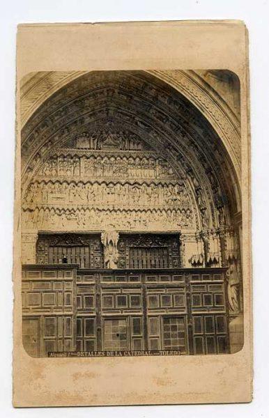 Catedral-Puerta de la Feria o del Reloj-Colección Luis Alba_LA-134062-PA