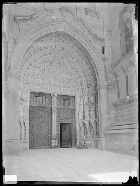 Catedral-Puerta de la Feria o del Reloj_CA-0183-VI