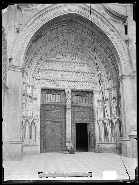 Catedral-Puerta de la Feria o del Reloj_CA-0184-VI