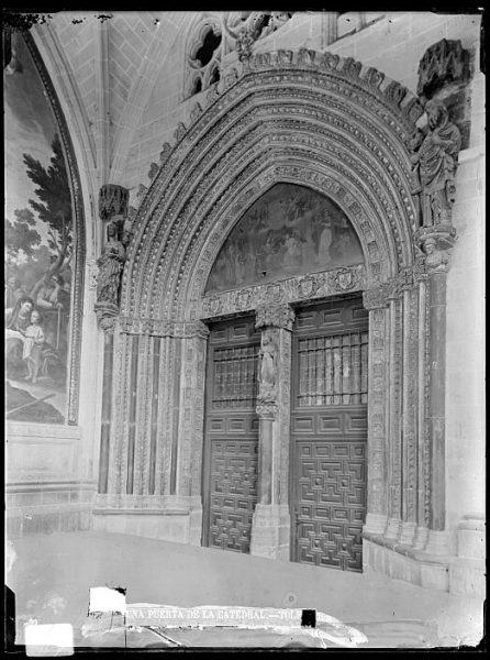 Catedral-Puerta de la Visitación en el claustro_CA-0203-VI