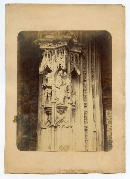 Catedral-Puerta de los Leones - Detalle-Colección Luis Alba_LA-334049-PA