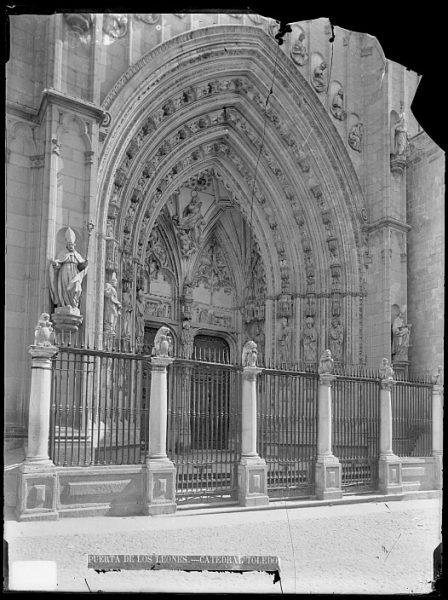 Catedral-Puerta de los Leones_CA-0201-VI