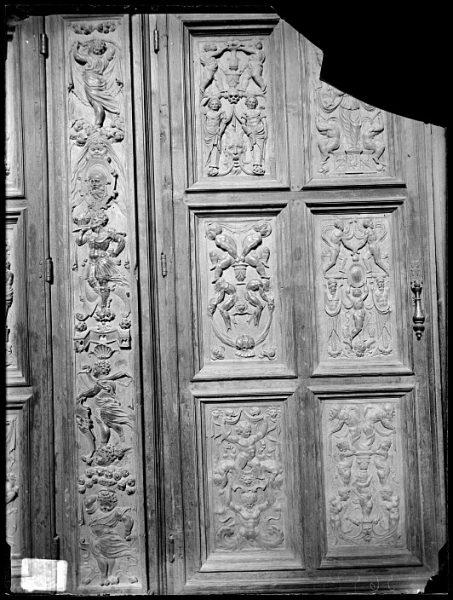 Catedral-Puerta de un armario en la Antesala Capitular_CA-0214-VI