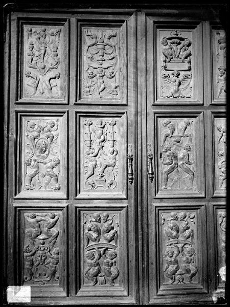 Catedral-Puerta de un armario en la Antesala Capitular_CA-0216-VI
