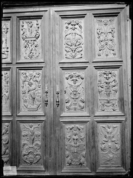Catedral-Puerta de un armario en la Antesala Capitular_CA-0249-VI