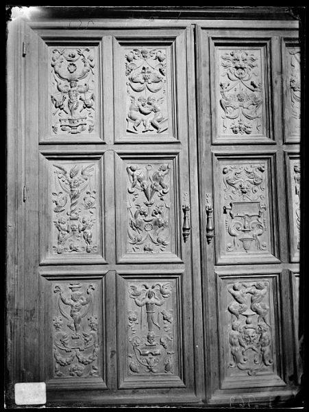 Catedral-Puerta de un armario en la Antesala Capitular_CA-0256-VI