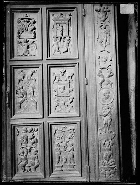 Catedral-Puerta de un armario en la Antesala Capitular_CA-0257-VI