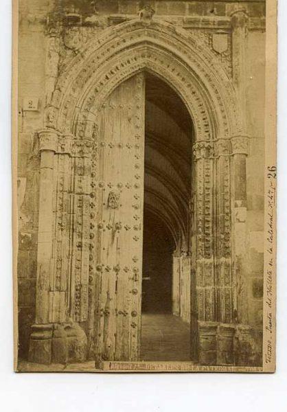 Catedral-Puerta del Niño Perdido - Exterior-Colección Luis Alba_LA-134008-PA